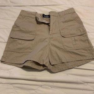 Sabree Shorts Beige Size 8🦋